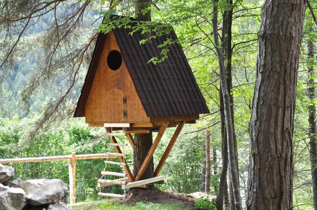 Case in legno sugli alberi il nord america vanta diverse for Case in legno sugli alberi